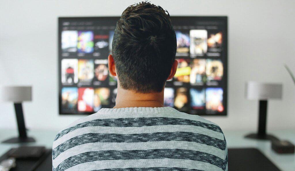 Sledování filmu v televizi
